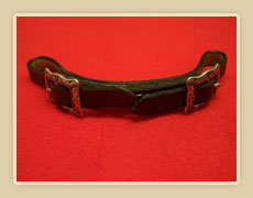 Harness leather chin strap with Horseshoe hardware.